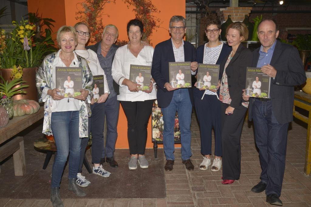 """Vorstellung des Buchs """"Schnittlauch statt Petersilie"""" von Anna Matscher in der Gärtnerei Schullian in Bozen im Oktober 2017"""